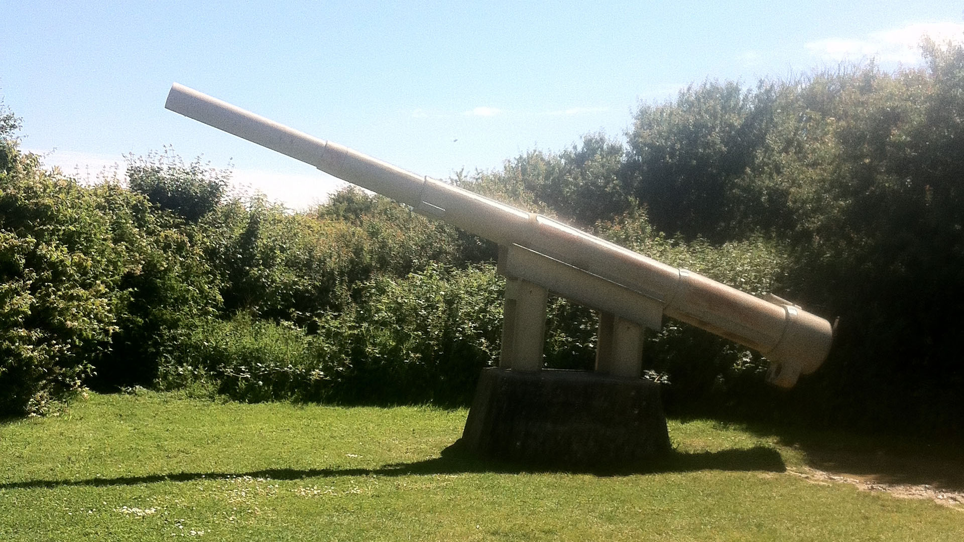 Guns of Pointe-Du-Hoc