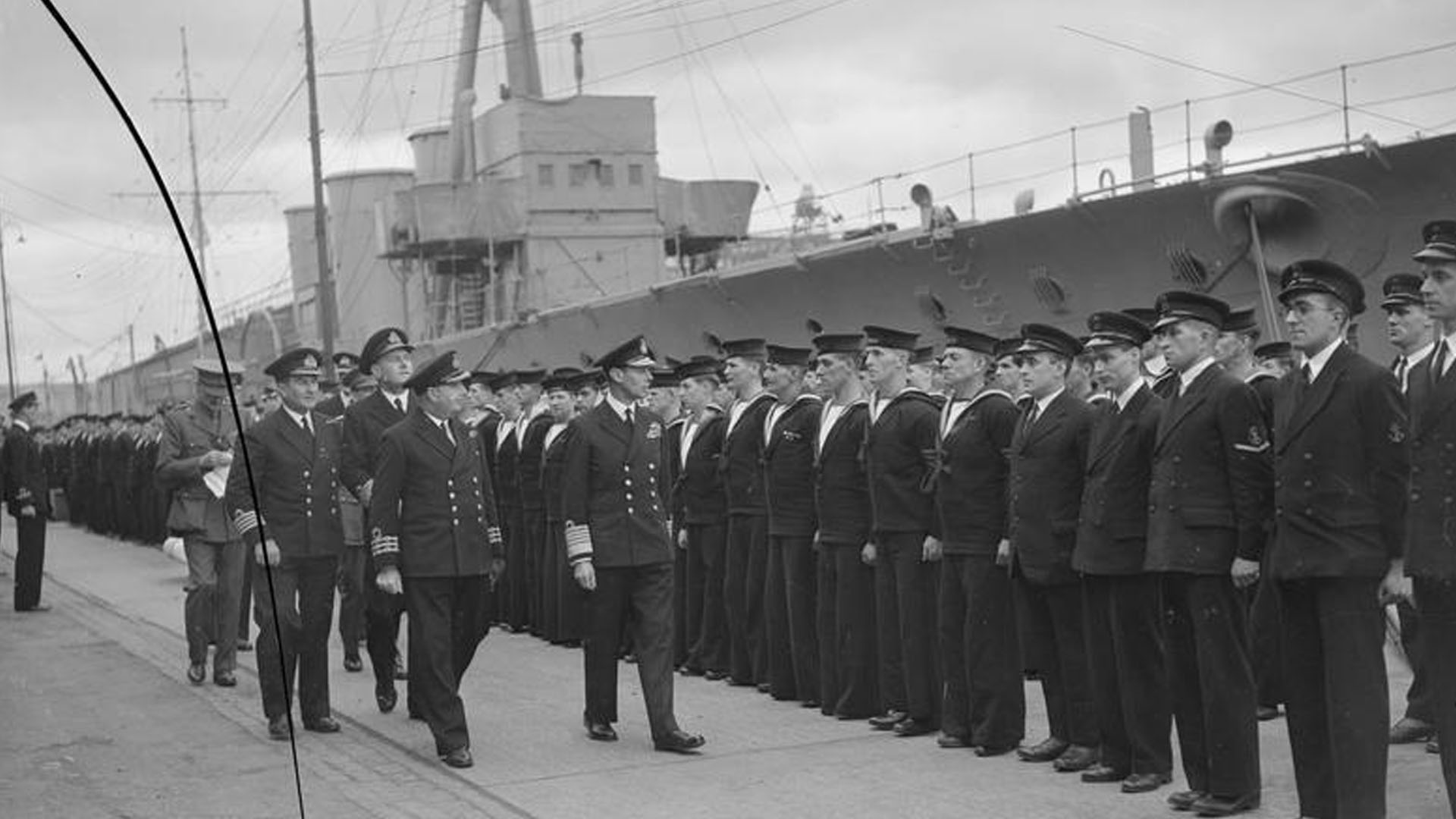 The King and Queen inspect H.M.S. Caroline