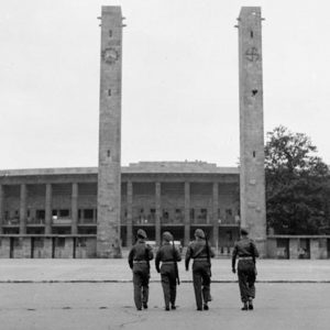 wwiini-olympic-stadium-berlin-soldiers