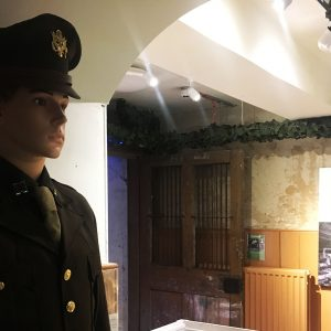 wartime-ni-brownlow-house-mannequin