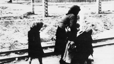 Featured image for Young survivors of Concentration Camps arrive in Northern Ireland