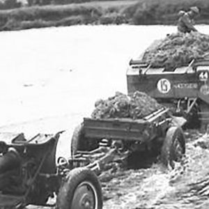 4.5 Howitzer and Lorry on the River Maine